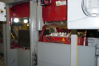 Hunter XL2024 Molding Machine in operation