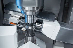 The VLC 200 H is designed for the machining of gear-type workpieces of maximum 200 mm diameter and module 4.