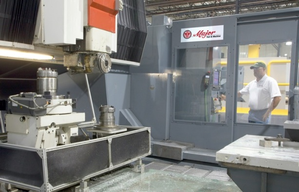 An advantage MTM gained by its retrofit strategy has been the ability to interchange heads and rotary tables from machine to machine. Easy-to- use head storage and tool management programming provided by the Siemens CNC platform support the new interchange capability.