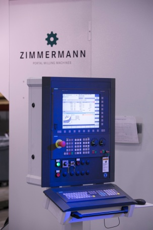 Triumph Structures–Wichita Machines Wing Spars and Skins on Huge Dual Gantry Mill; Realizes 35 Percent Cycle Time Improvement | Siemens Machine Tool Systems